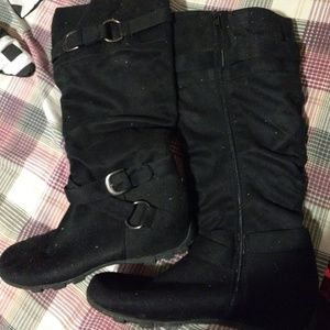 Maurices 47604-NICKI Size 10 Boots